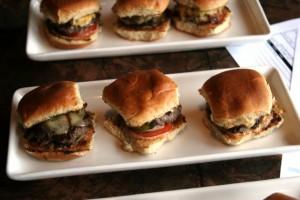 cheeseburger, boathouse 19, tacoma