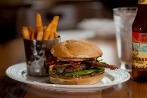 burger, boathouse 19, tacoma